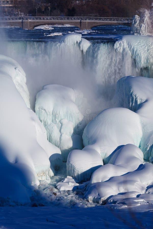 Habillage de glace des chutes du Niagara, hiver de 2015 photos libres de droits