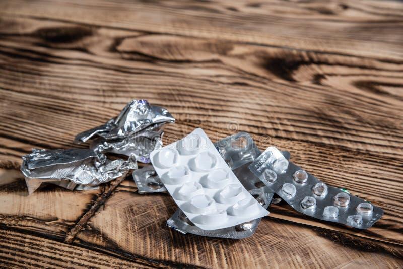 Habillages transparents vides sur la table Idée de soins de santé images stock