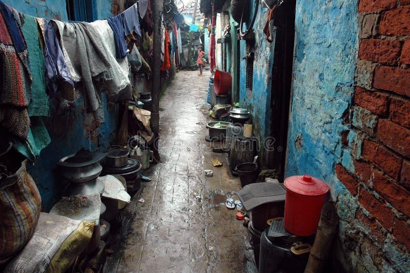 Habitantes de los tugurios de la Kolkata-India imagen de archivo libre de regalías