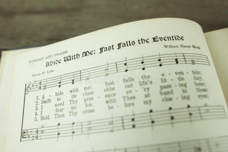 Habite comigo quedas rápidas o Eventide Christian Worship Hymn fotografia de stock royalty free