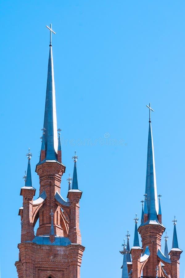 Hace fragmentos de la parroquia del corazón sagrado de Jesús de Roman Catholic Church en la ciudad del Samara fotos de archivo