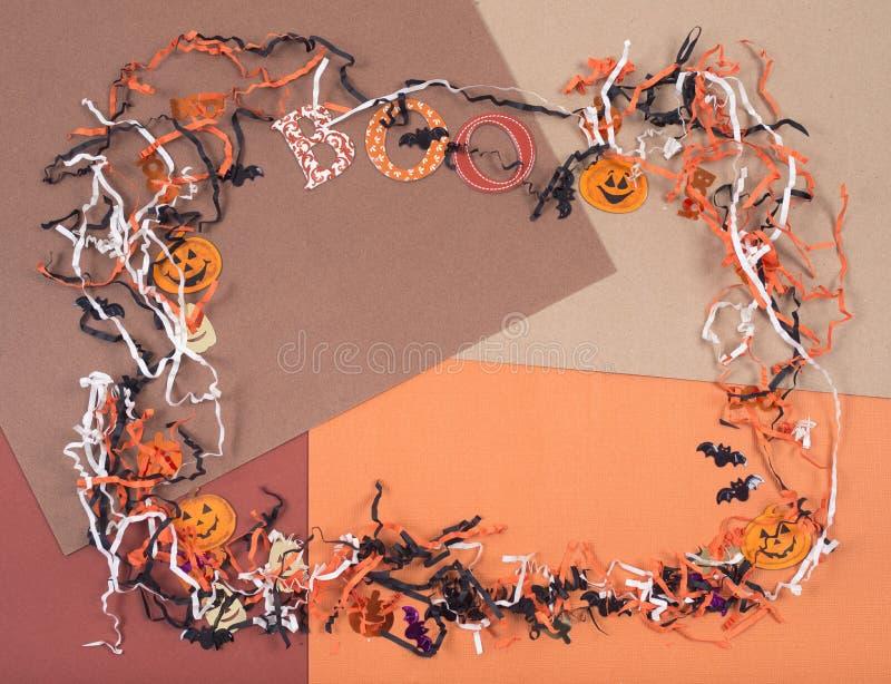 Hacer los accesorios a mano para Halloween arregló en una forma del marco imágenes de archivo libres de regalías
