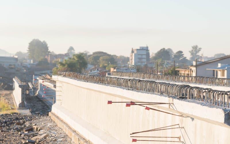 Haces concretos para el viaducto 7 del camino imagenes de archivo