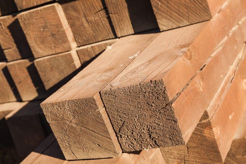 Haces de madera apilados, construcción fotografía de archivo libre de regalías