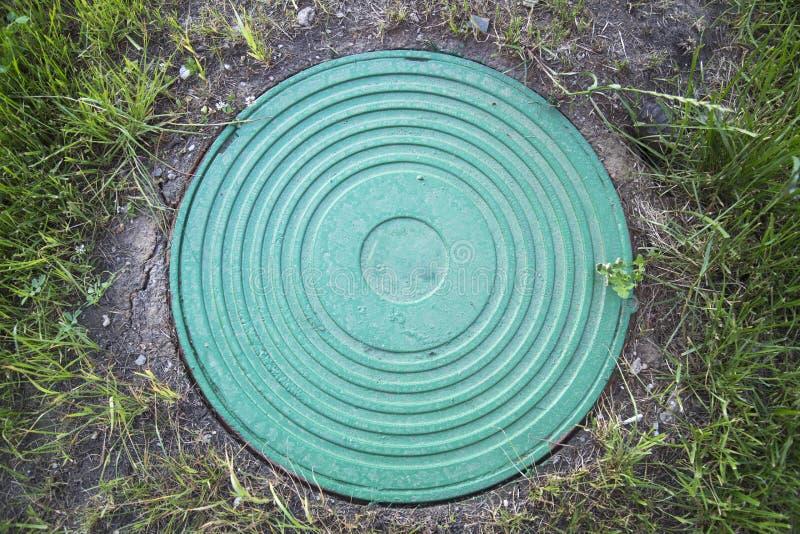 Hachez bien la turquoise lourde de fonte avec un modèle de beaucoup d'anneaux photo stock