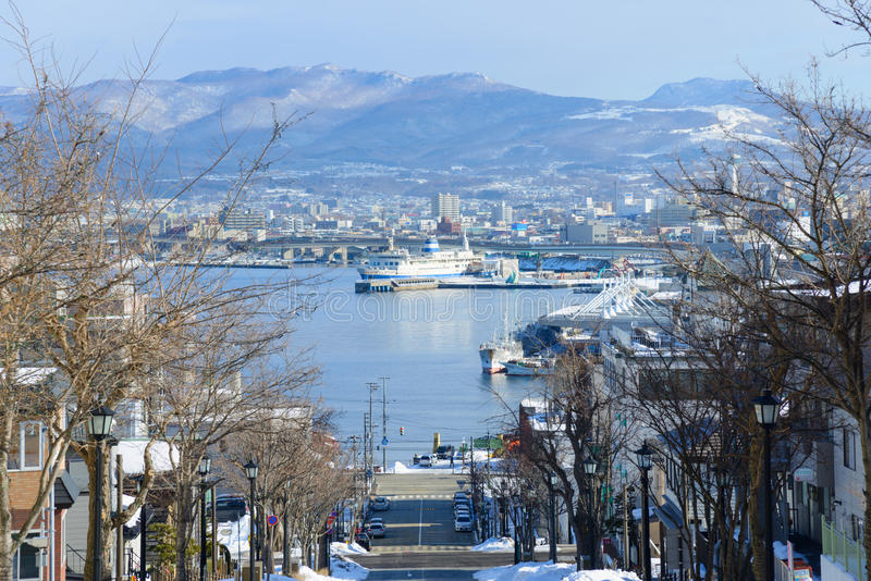 Hachimanzaka och porten av Hakodate i staden av Hakodate, Hokkaido arkivbild