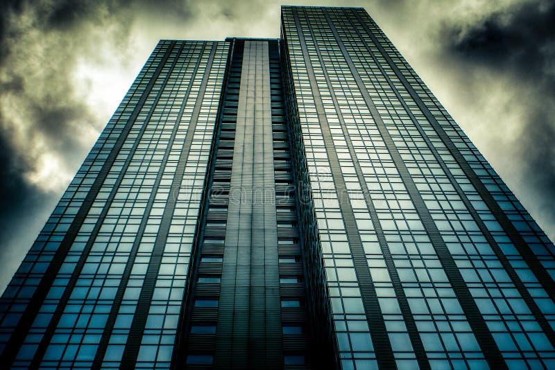 Hacia el cielo vista del rascacielos céntrico en Seattle, WA imagen de archivo