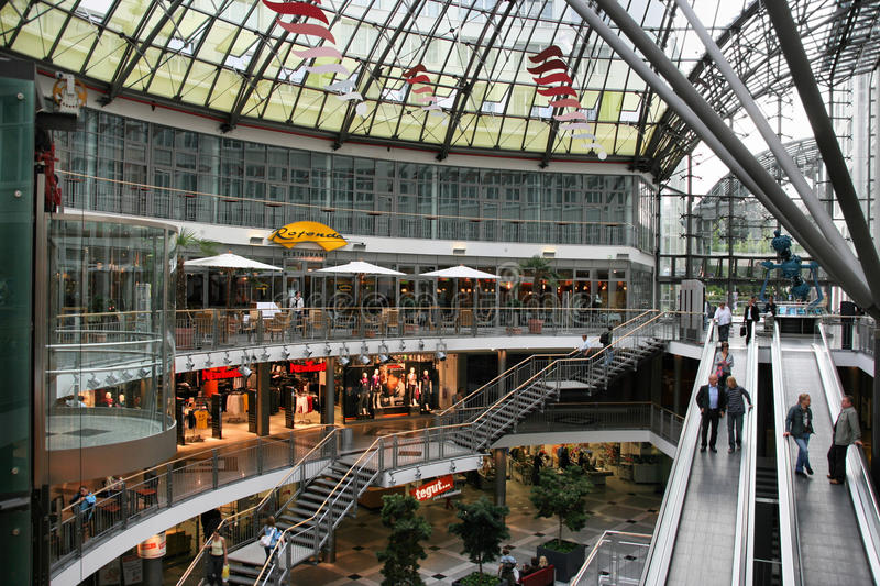 Haciendo compras en Jena, Alemania imagen de archivo
