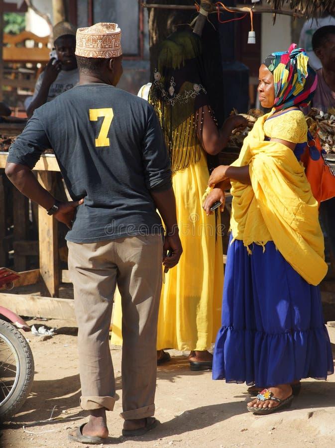 Haciendo compras en Tanzania, África fotos de archivo libres de regalías
