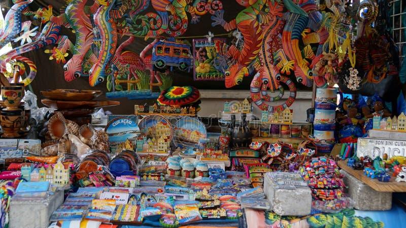 Haciendo compras en Willemstad, Curaçao imagen de archivo