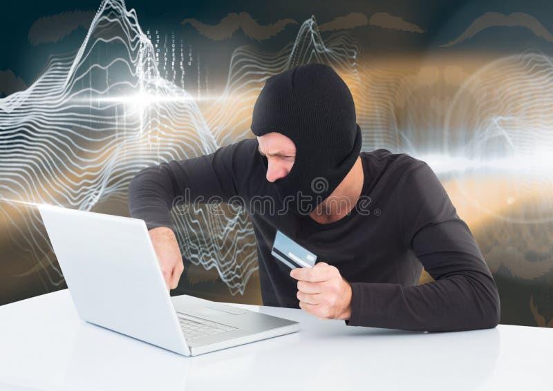 Hacker z kredytową kartą pracuje na laptopie przed cyfrowym tłem ilustracji