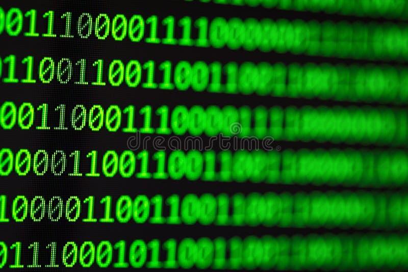 Hackera pojęcie binarni kody komputerowe fotografia royalty free