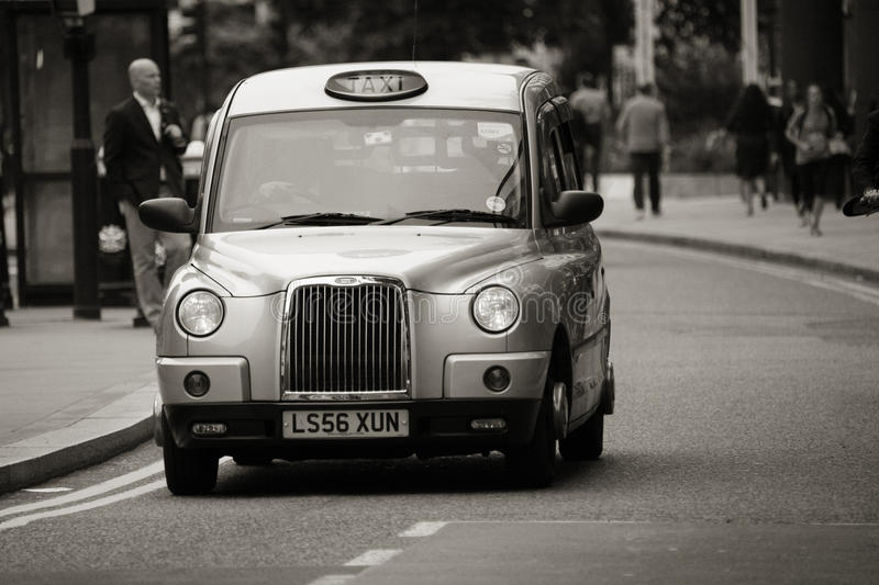 Download Hackney Carriage, London Taxi Editorial Photo - Image: 26944356