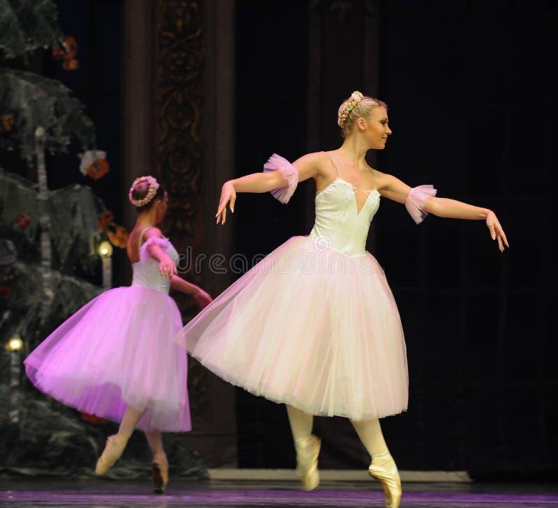 Hada del copo de nieve de la muñeca- de Barbie el segundo reino del caramelo del campo del acto segundo - el cascanueces del ball fotografía de archivo