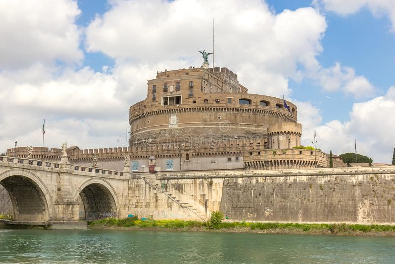Hadrian圣洁天使的陵墓或城堡在罗马意大利 免版税库存图片