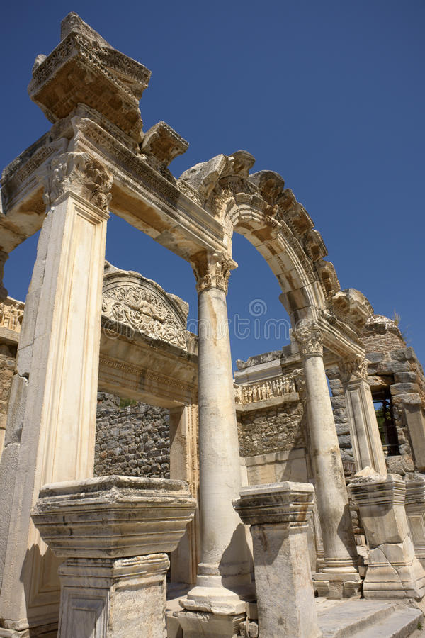 Hadrian Bogen (Ephesus) lizenzfreie stockfotos