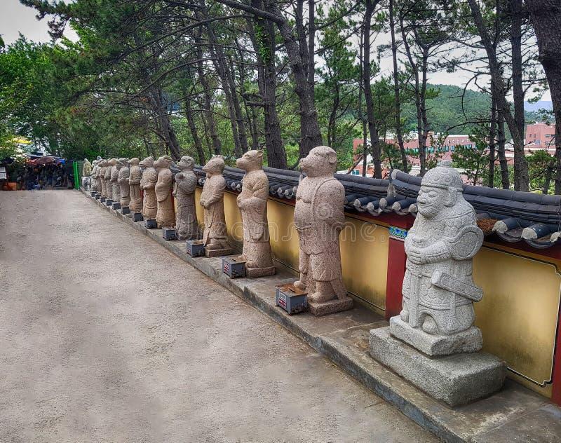 Haedong Yonggungsa佛教寺庙,釜山,韩国,亚洲 库存图片