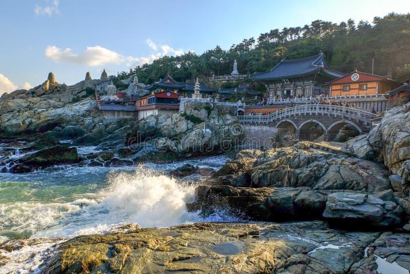 Haedong yonggungsa寺庙在釜山 免版税库存图片