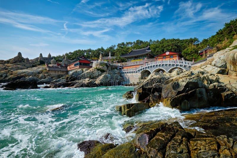 Haedong Yonggungsa寺庙 釜山,南韩 免版税库存照片