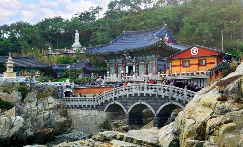 Haedong Yonggungsa tempel arkivbild