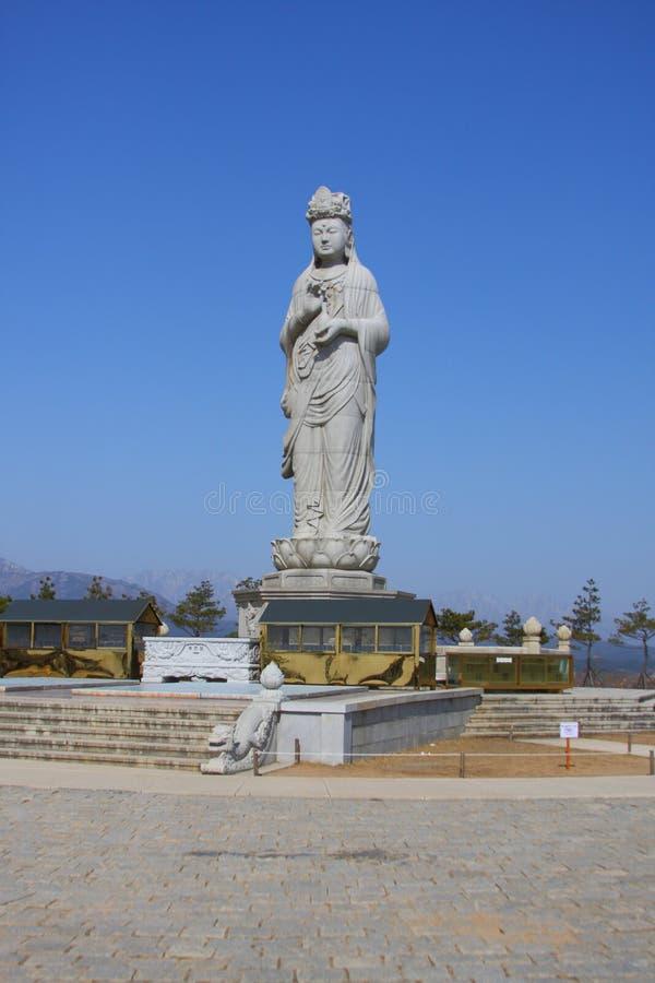 haesugwaneumsang buddyjska statua obraz royalty free