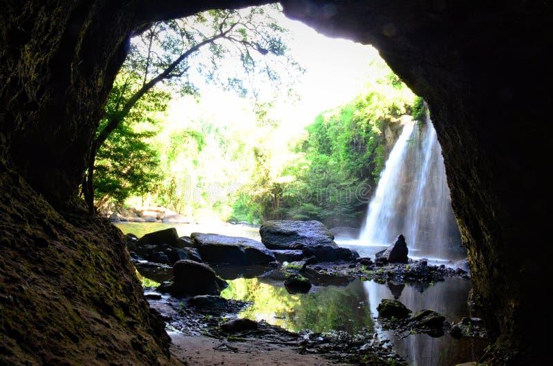 Haew Suwat för ็ vattenfall royaltyfria bilder