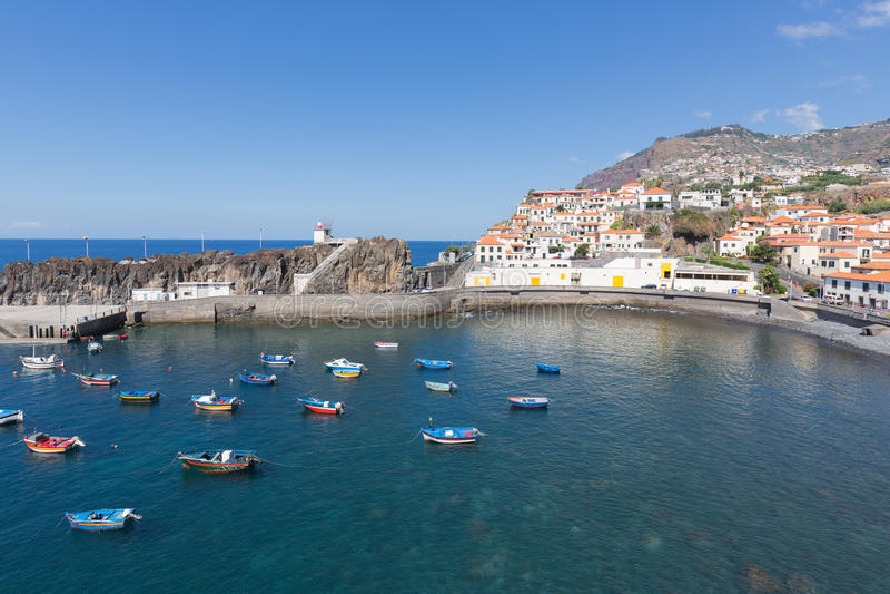 Hafen Camara de Lobos nahe Funchal, Madeira-Insel stockbild