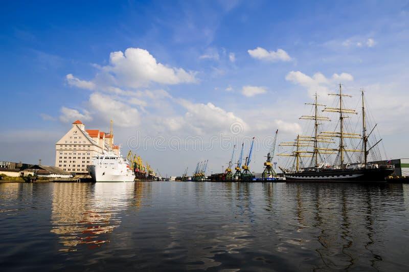 Hafen in Kaliningrad lizenzfreies stockfoto