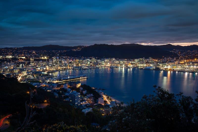 Hafen nachts lizenzfreies stockbild