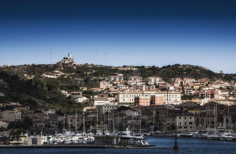 Hafen Sardinien-Landschaftsmas Maddalena lizenzfreie stockfotos