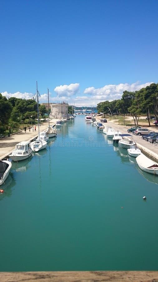 Hafen in Trogir stockfoto