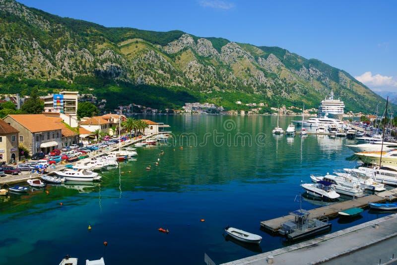 Hafen und Bucht, Kotor stockbild