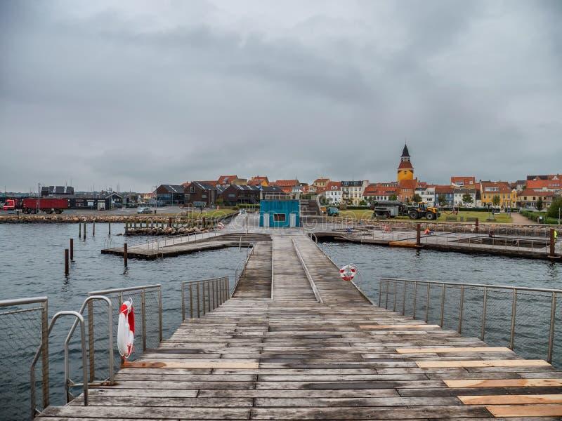 Hafen- und Jachthafenschwimmenanlagen Faaborg, Dänemark lizenzfreie stockfotos