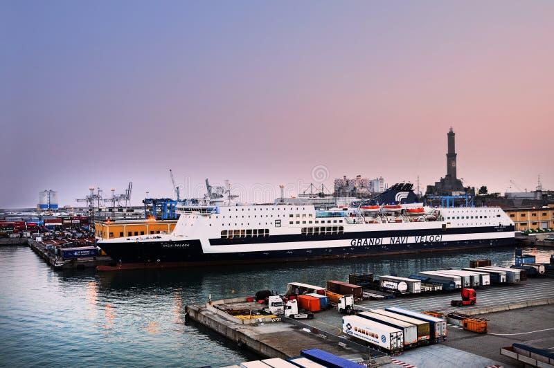 Hafen von Genua stockbilder