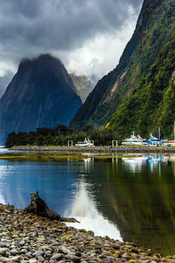 Hafen von Yachten und von Booten lizenzfreie stockbilder