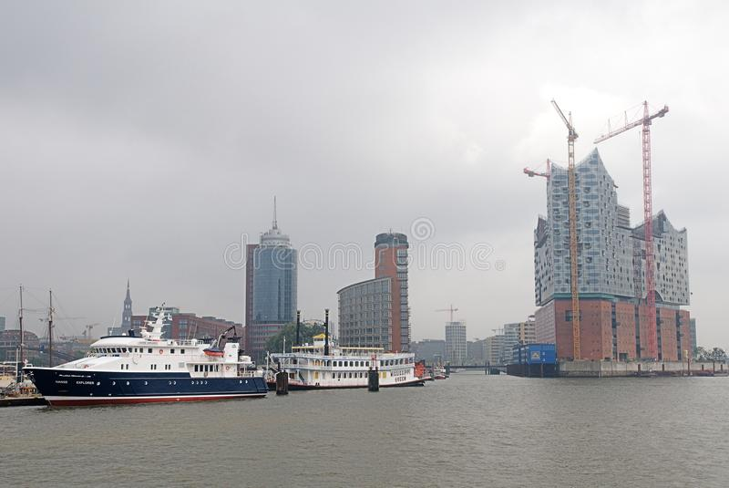 Hafencity Hamburg w mgle