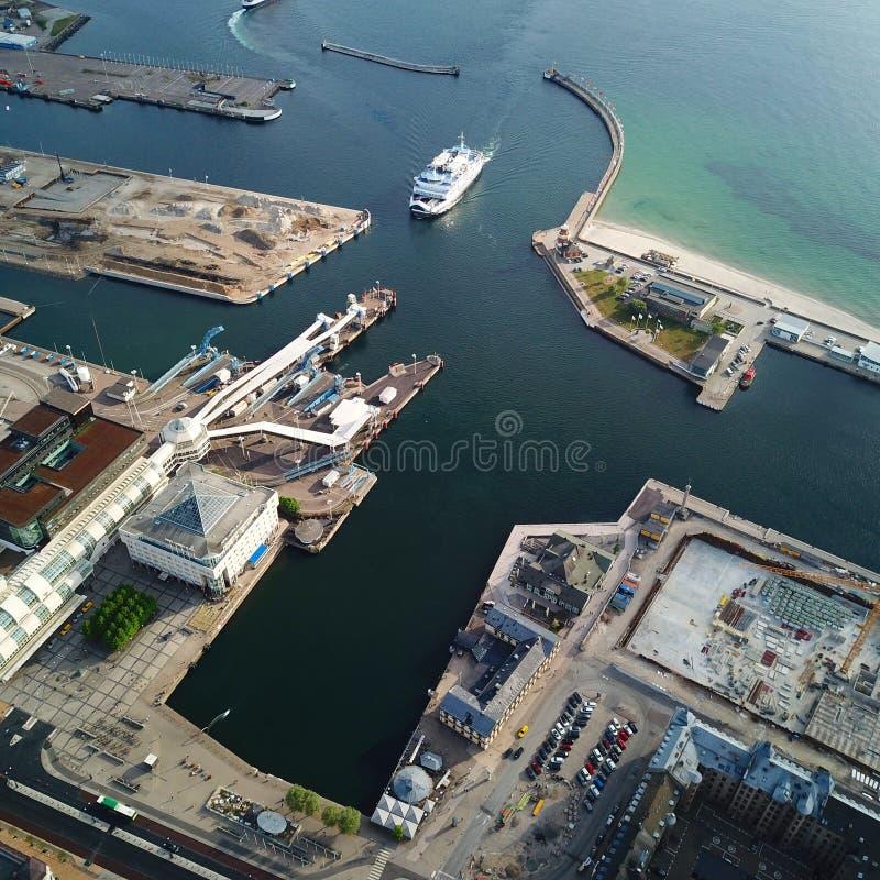 Hafenhelsingborg-Seeschiffswasser lizenzfreies stockbild