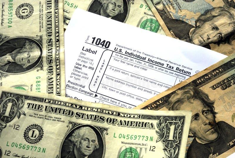 Haga bastante dinero para pagar impuesto sobre la renta imagen de archivo libre de regalías