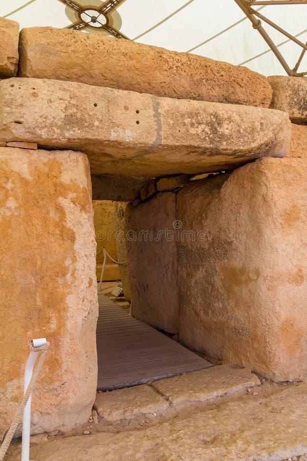 Hagar Qim Temple Door royaltyfria foton