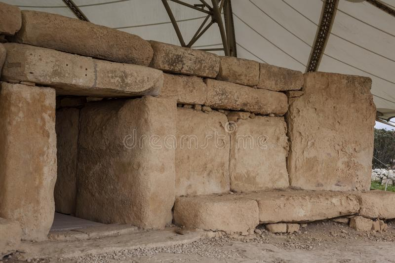 Hagar Qim Temple   Huvudsaklig dörr arkivfoto
