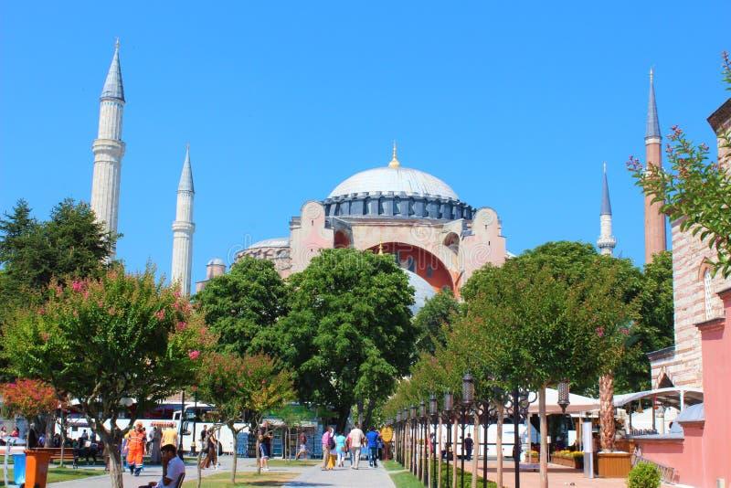 Hagia Sófia Hagia Sófia e jardim em Istambul Igreja e mesquita de Hagia Sófia em Istambul fotografia de stock royalty free