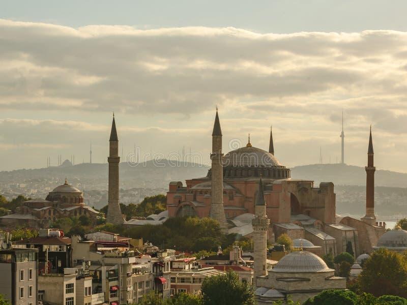Hagia Sophia em Istambul a manhã do início do verão imagens de stock royalty free