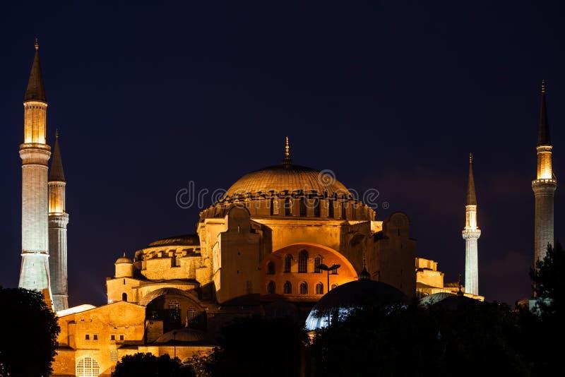 Hagia Sophia In Istanbul At Night photos stock