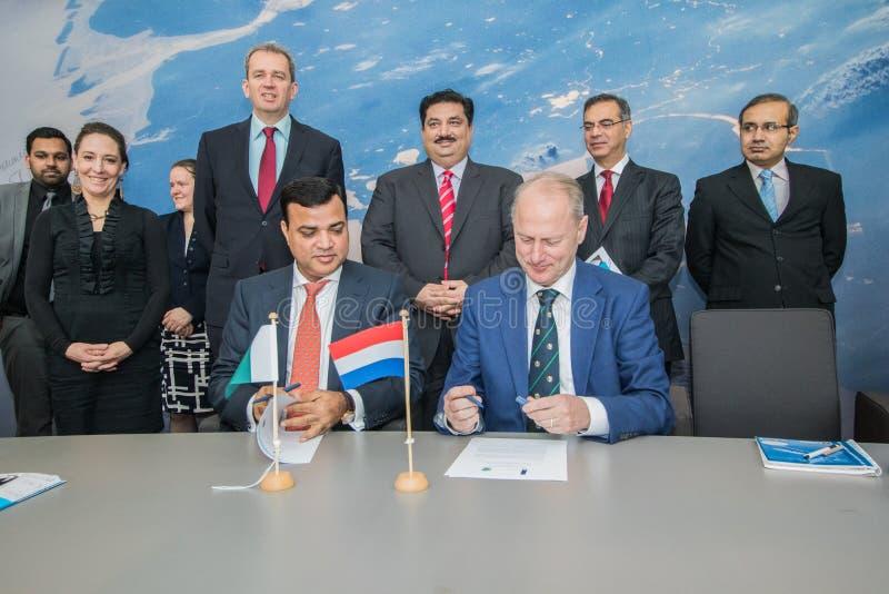 Signing treaty international inter goverment business diplomatic the hague netherlands pakistan stock photos