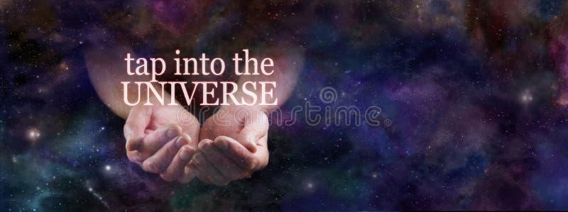 Hahn in die Energie des Universums stockfoto