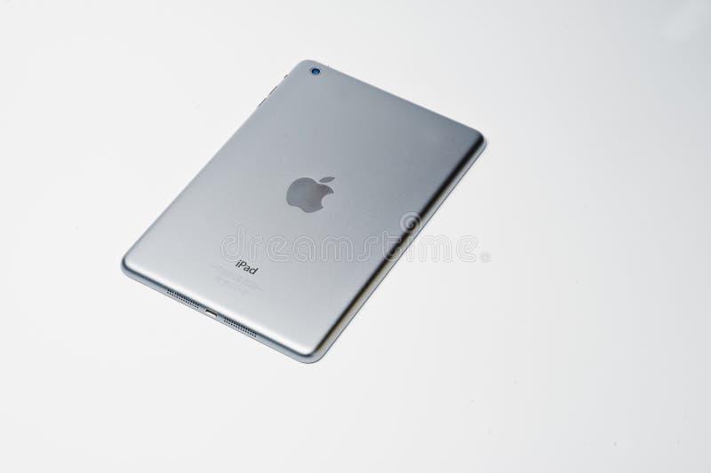 Hai, Ucrania - 10 de agosto de 2017: foto del primer de una tableta del iPad imagen de archivo libre de regalías