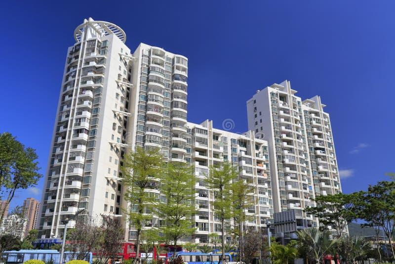 Haicang budynek mieszkaniowy pod niebieskim niebem, adobe rgb zdjęcie stock