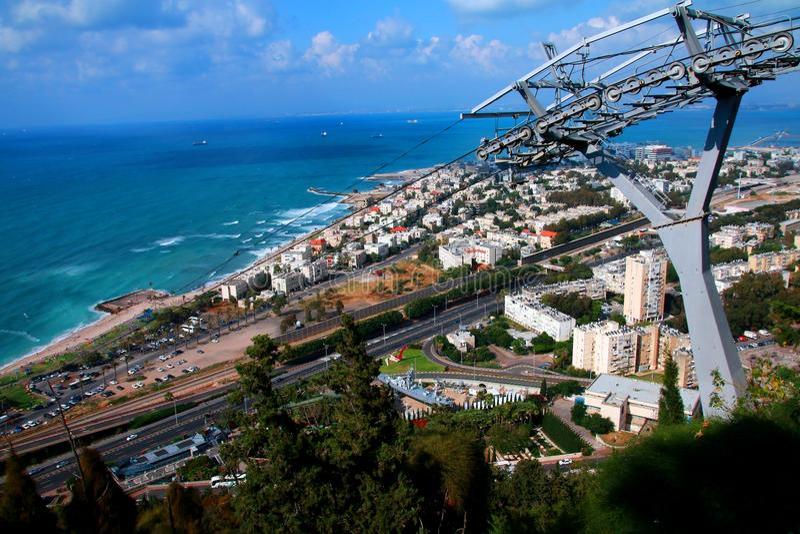 Haifa Cable Car-Stadt lizenzfreie stockbilder