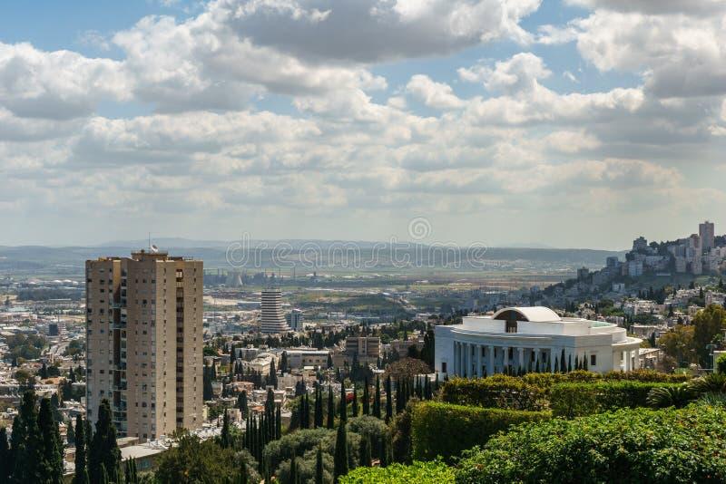 HAIFA, 25 ISRAËL-MAART, 2018: Bahai Universeel Huis van Rechtvaardigheid in Bahai-Wereldcentrum stock foto's