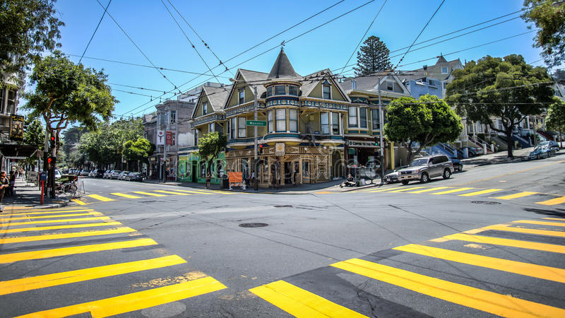 Haight Street em Haight-Ashbury San Francisco Haight-Ashbury é um do mais famosos foto de stock